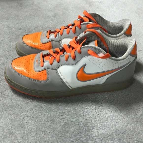 best sneakers 6635d 7bf7b Nike Dunk Low orange and grey basketball shoes